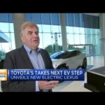 Eksekutif Toyota Amerika Utara pada rencana permainan EV baru perusahaan