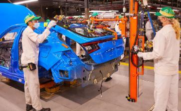 Honda Memulai Produksi Civic Hatchback di Indiana;  Pertama Kali di Amerika